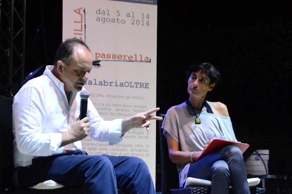 NICOLA GRATTERI | Scilla, piazza S. Rocco | Scilla in passerella | 7/08/2014